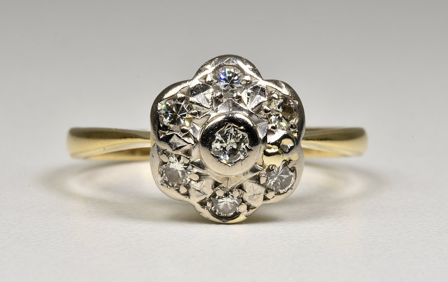 Antique Edwardian 9ct Gold Diamond Daisy Ring, (Birmingham, c1905)