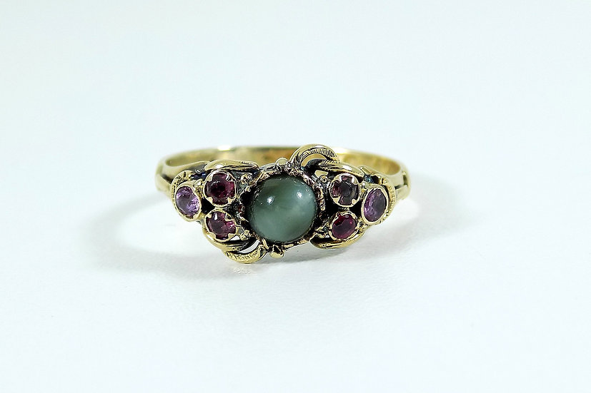 Antique Georgian 18ct Gold Agate & Mixed Gem Stone Ring, c1820