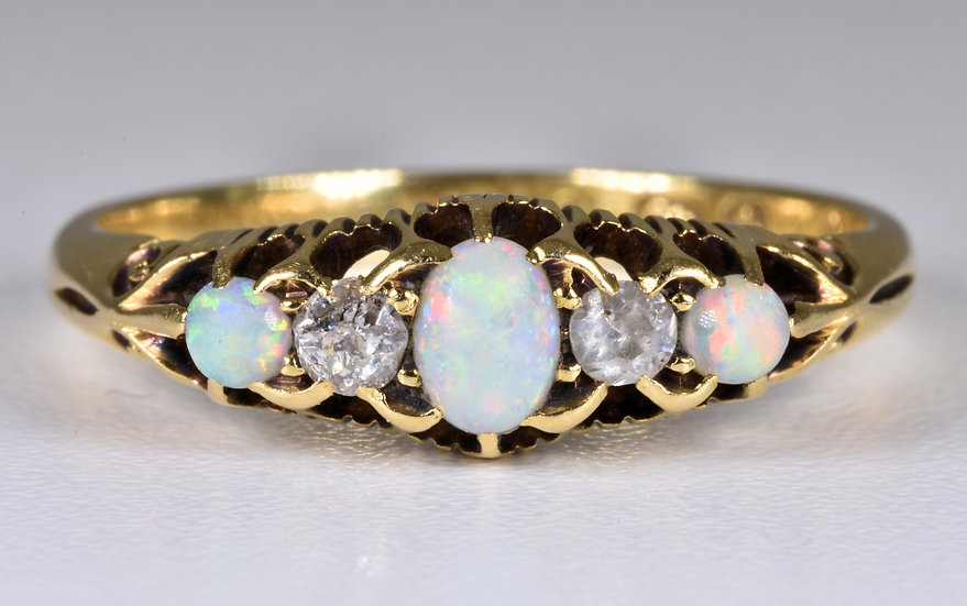 Antique Late Victorian 18ct Gold Fire Opal & Diamond Ring, (Birmingham,1901)