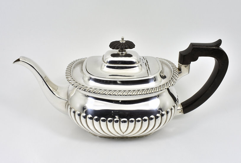 Antique English Victorian Silver Plated Teapot (Mappin & Webb, c1880)