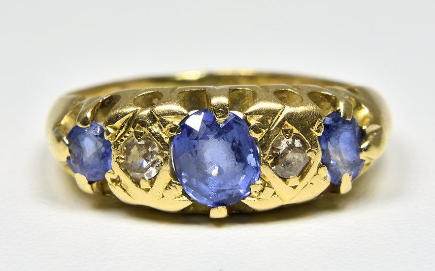 Vintage 9ct Gold Cornflower Blue Sapphire & Diamond ring, (1930's)