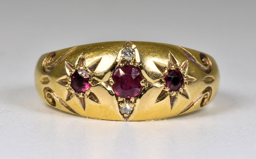 Antique Edwardian 18ct Gold Ruby & Diamond Gypsy Ring, (Chester,1908)