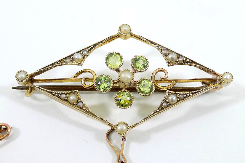 Antique 9ct Gold Edwardian Peridot & Seed Pearl Brooch, c1905