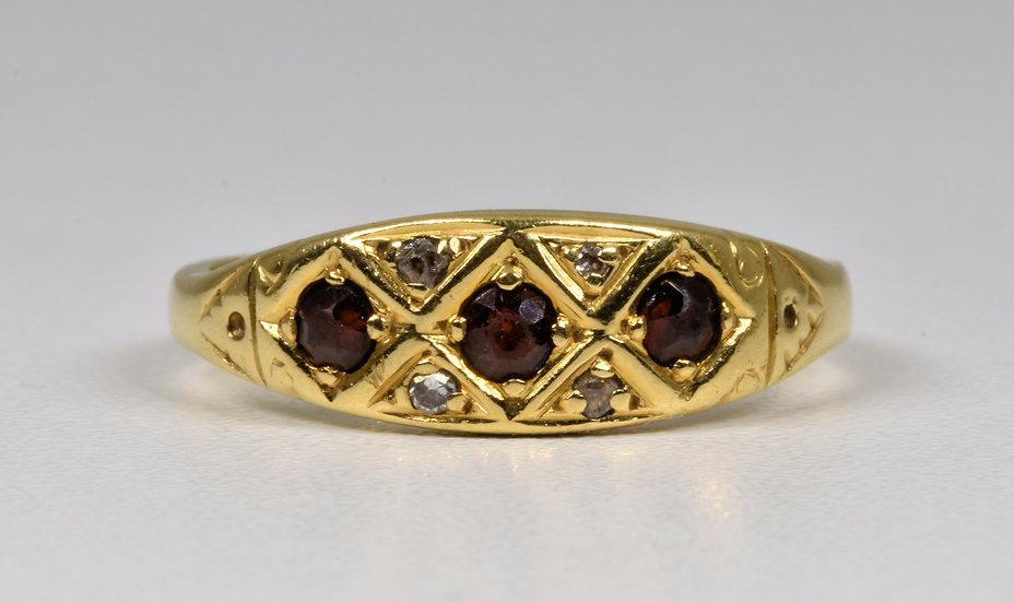 Antique Edwardian 18ct Gold Garnet & Diamond Ring, c1905