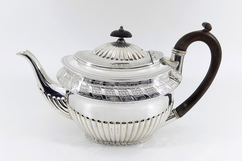 Antique English Edwardian Silver Plated Teapot (Walker & Hall, c1905)