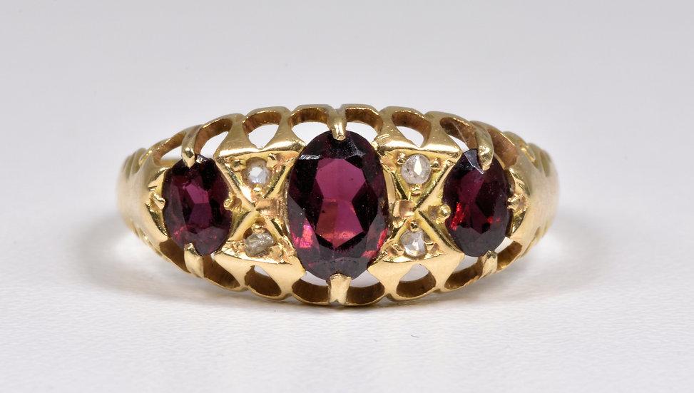 Antique Late Edwardian 18ct Gold Garnet & Diamond Ring, (Birmingham,1910)