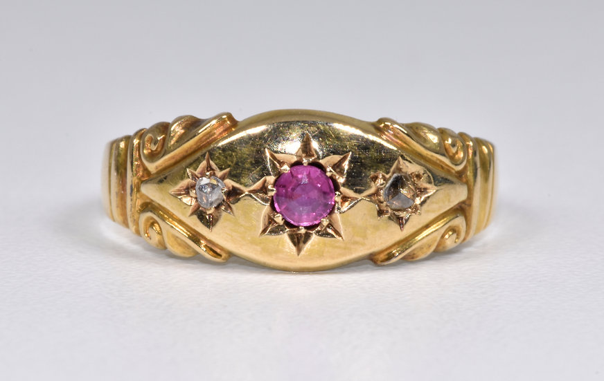 Antique Late Victorian 18ct Gold Ruby & Diamond Gypsy Ring (1901)