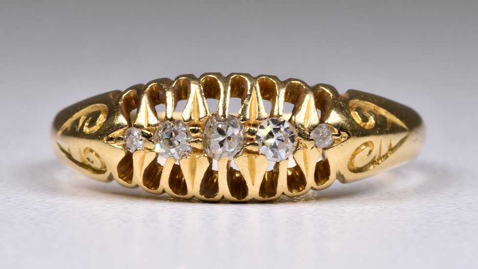 Antique George V 18ct Gold Old Cut Diamond Ring, (London, 1916)
