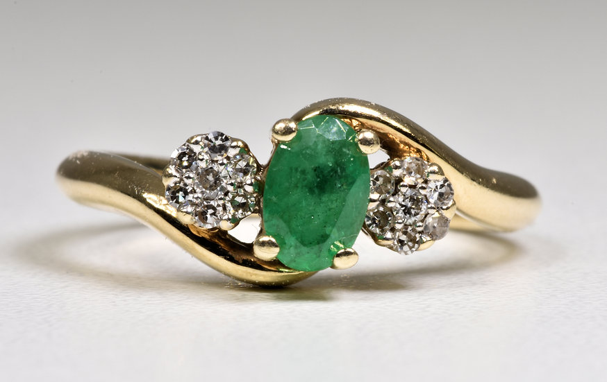 9ct Gold Emerald & Diamond Twist/Crossover Ring, (F Hinds Ld)