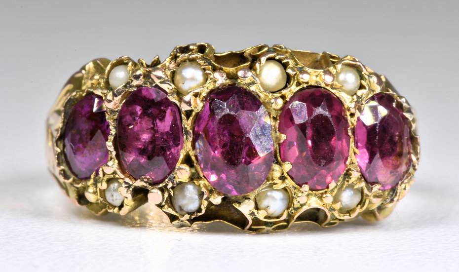 Antique Victorian 9ct Gold Almandine Garnet & Seed Pearl Ring, c1880