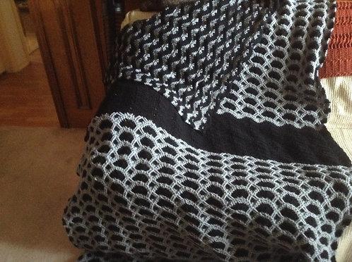 black/gray ripple