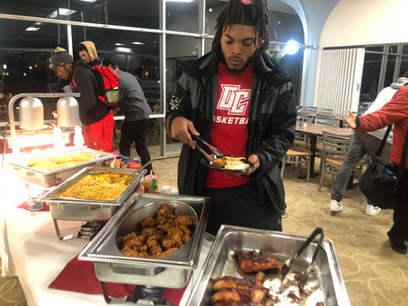 BSU Hosts Wing Dinner to Support Trip to D.C.