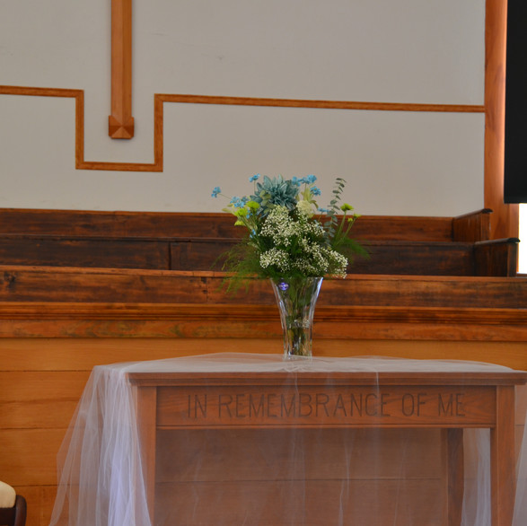 Simple altar decorations