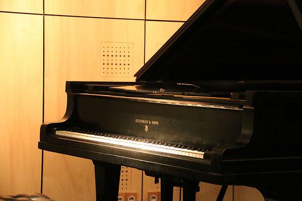 Studio d'enregistrement en Normandie - Piano Steinway
