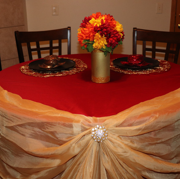 Table linens and napkins for rent