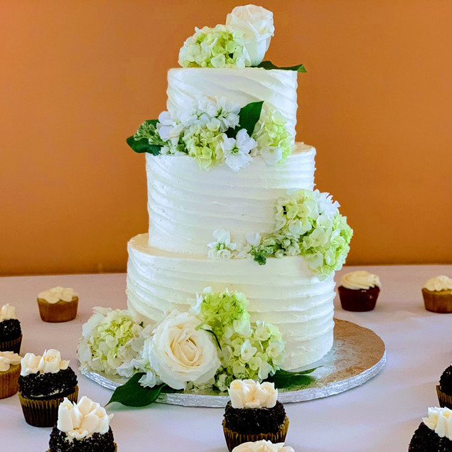 3 Tiered Slanted Design Wedding Cake