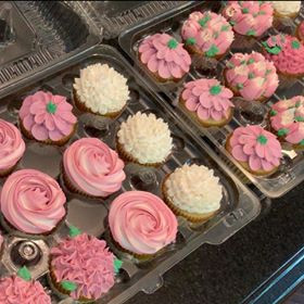 Piped Floral Cupcakes.jpg