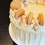 Golden Cookies & Cream Cake