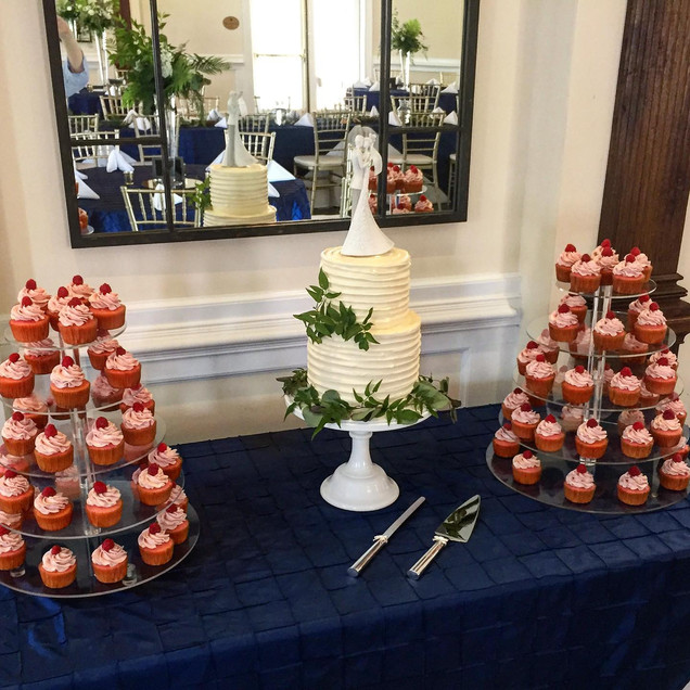 Wedding Cake & Cupcake Table