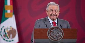 """""""Nos dio mucho gusto"""": López Obrador felicitó a Bolivia por los resultados electorales"""