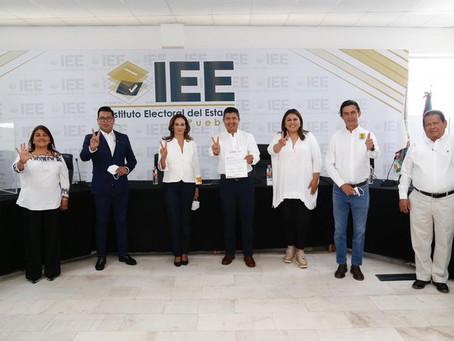 Eduardo Rivera Pérez se registra como candidato a la Presidencia Municipal de Puebla