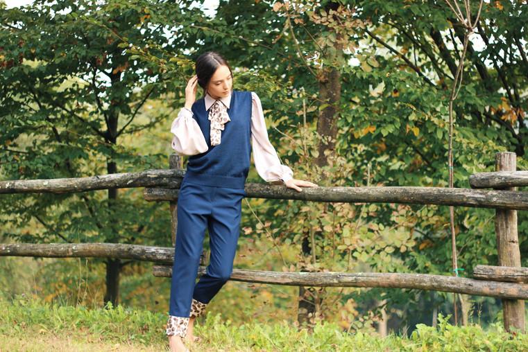 BLUE SUIT .JPG