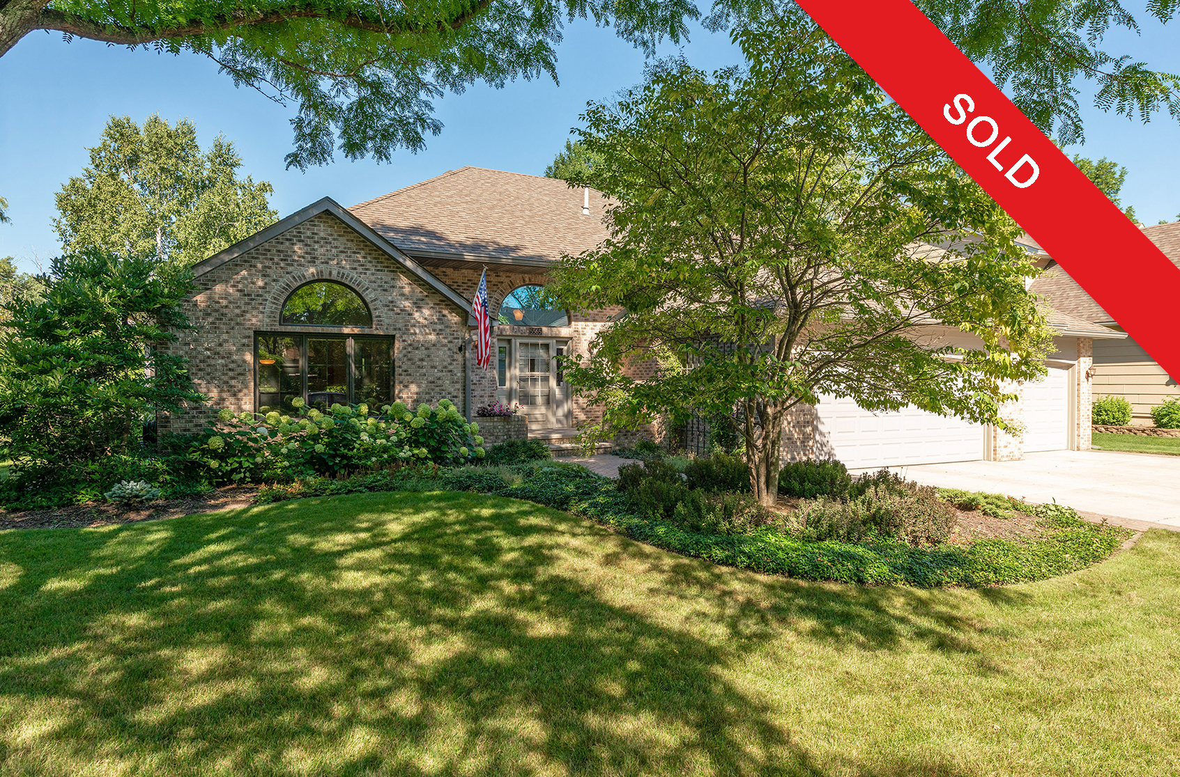 5565 Wood Duck Court  - Smitten Real Est