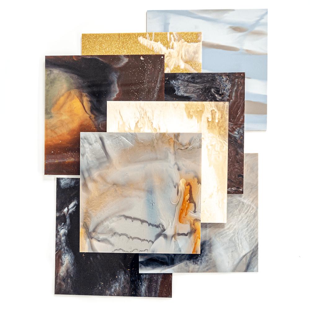 廃液を使用したアクリル板/複数の色が絶妙に混ざりあう様は、アート作品のような美しさです