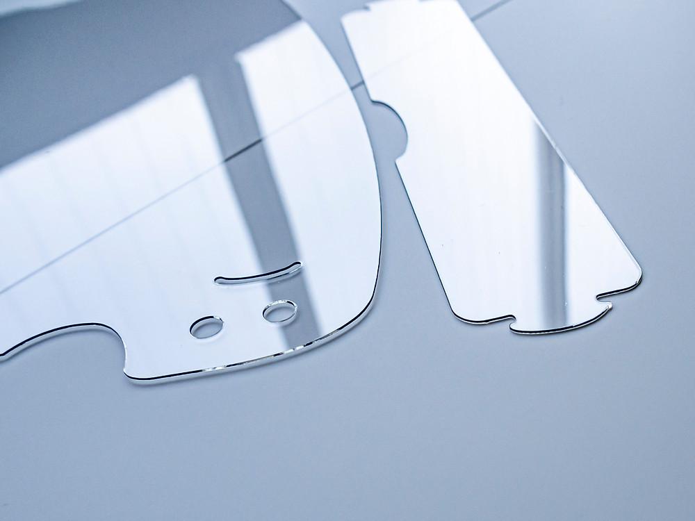 試作を重ねてたどり着いたシンプルでスマートなフォルム/ Miyuki Acryl