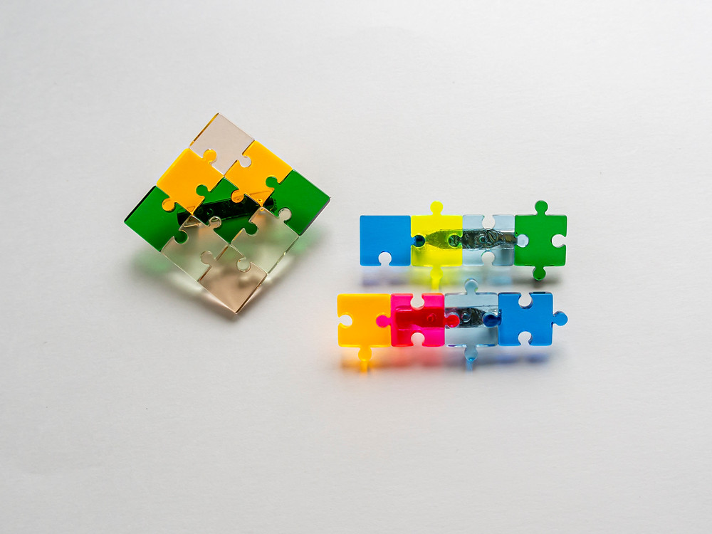 パズルピースバッチ製作例 / TOKYO ACRYL