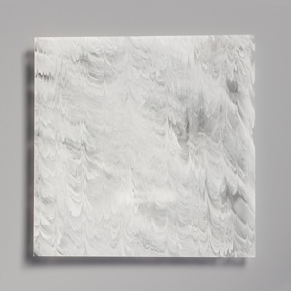 透明ベースに白い模様を描いたマーブル板 2mm / TOKYO ACRYL