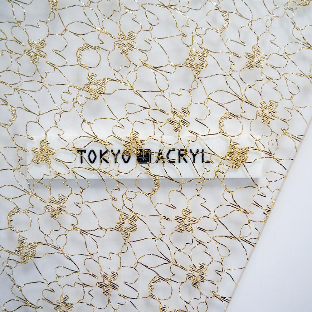 細い金糸の花模様レースもおしゃれ / Tokyo acryl