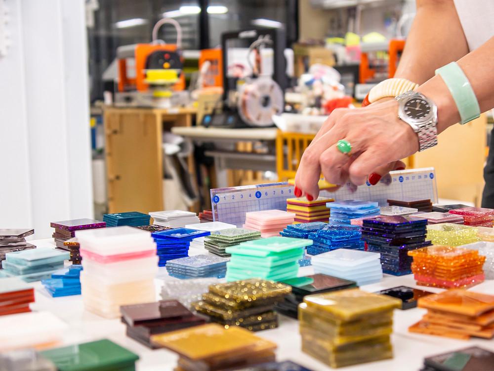 今回の目玉商品蔵出しサンプルチップ・工場50年の歴史の中で作りためたサンプルチップ達