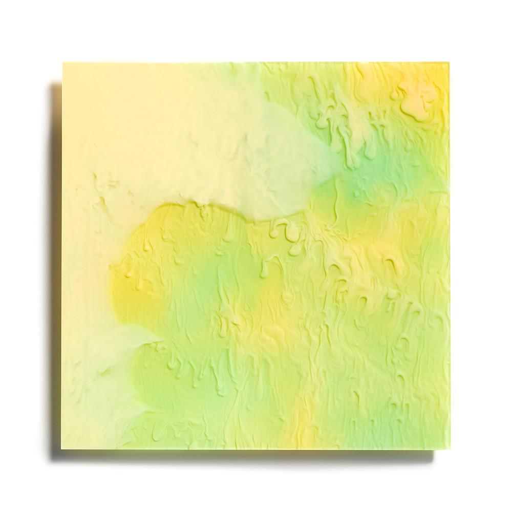 緑と黄色のアクリルの上に透明なアクリルが掛かっています4mm厚 / TOKYO ACRYL