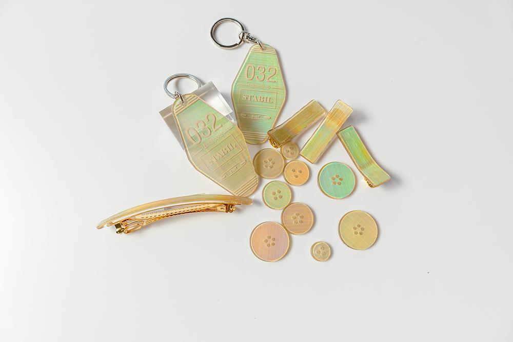 オーロラアクリル板(ゴールド)作例 モーテルキー・ボタン・バレッタ・ヘアクリップ / TOKYO ACRYL