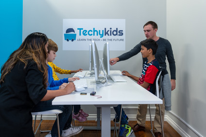 TechyKids Brampton teachers with students
