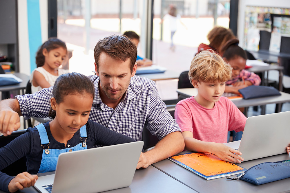 5 reasons why kids should learn to code. Get to know how coding skill can help kids for their future. Coding for kids may sound difficult but its fun & kids can learn to code faster. Read More!