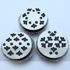 French Elegance Cupcakes