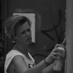Jacqueline de Montaigne streetart Yes you can spray - blog