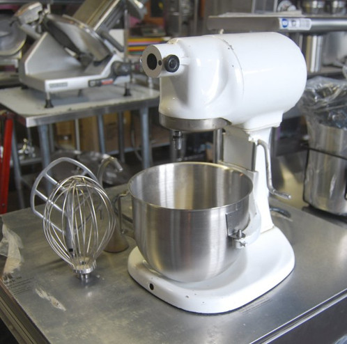 Vintage Kitchen Aid (Hobart) 5 qt Mixer with Attachments on smallest commercial mixer, general electric commercial mixer, globe commercial mixer, wolfgang puck commercial mixer, cake stores commercial mixer, viking commercial mixer, axis commercial mixer, waring commercial mixer, univex commercial mixer, commercial kitchen mixer,
