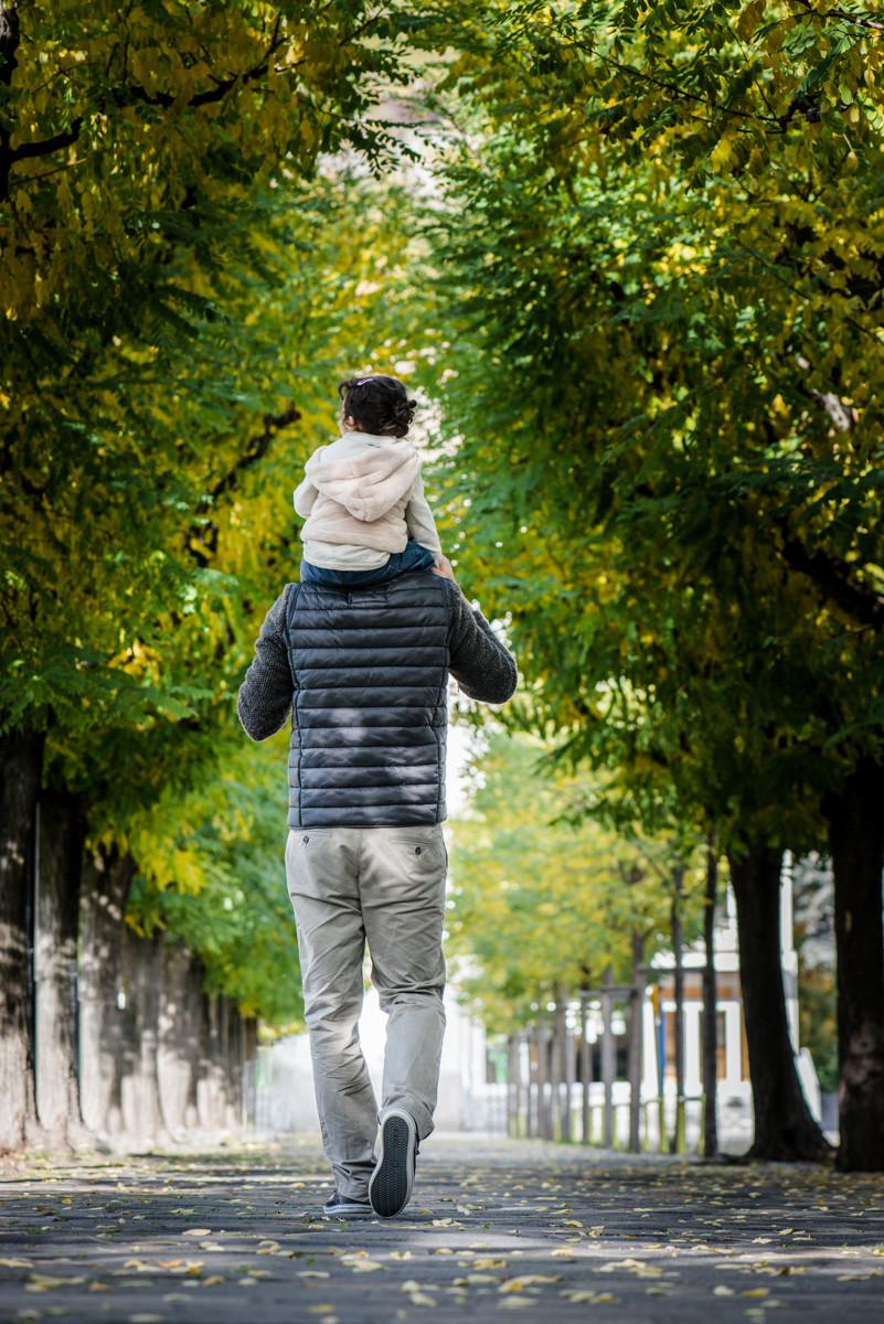 Séance photos entre un père et sa fille pour l'anniversaire de celui-ci! Séance photos hors studio... A voir et revoir!