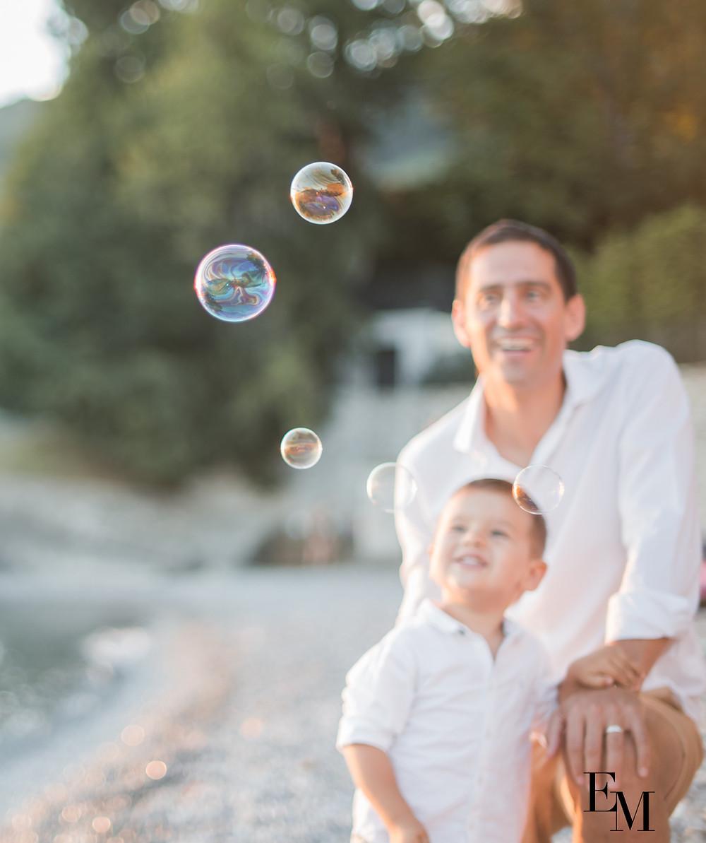 Belle complicité père-fils en photos