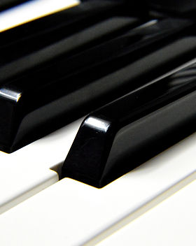 black-piano-minor-keys-164922.jpg