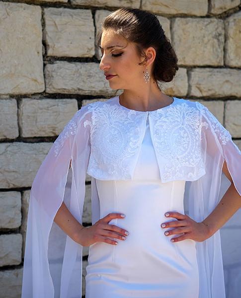 גלימה נסיכותית לשמלת כלה עם שרוולים ותחרה