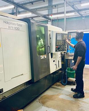 Empresa de CNC y mecanizado torno
