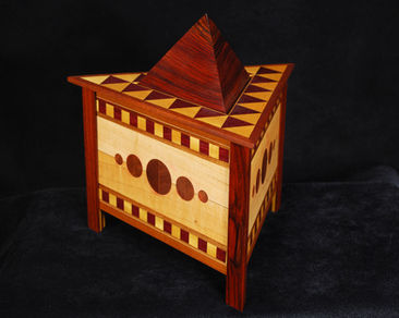 Tri Geometric Box