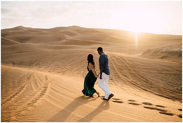 Dubai-desert-engagement-couple-photograp