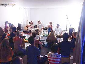 soam kirtan vence bhakti yoga mantras ou