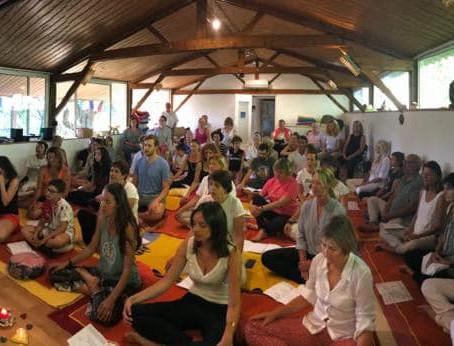 Quelle différence entre : Kirtan, Bhajan et Bhakti Yoga ?