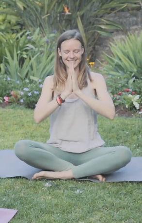 juni-grip-yoga-crossover-festival-villef